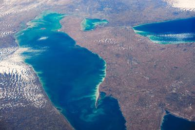 Satellite view of Lake Erie between USA and Canada