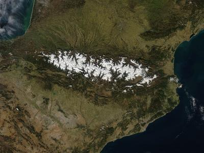 https://imgc.allpostersimages.com/img/posters/satellite-view-of-the-pyrenees-mountains_u-L-PRRLSQ0.jpg?artPerspective=n