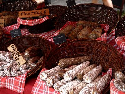 https://imgc.allpostersimages.com/img/posters/sausages-on-a-market-stall-la-flotte-ile-de-re-charente-maritime-france-europe_u-L-P7XHKC0.jpg?p=0