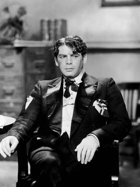 SCARFACE, 1932 directed by HOWAR HAWKS AND RICHARD ROSSON Paul Muni (b/w photo)