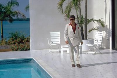 https://imgc.allpostersimages.com/img/posters/scarface-1983-directed-by-brian-by-palma-al-pacino-photo_u-L-Q1C209S0.jpg?artPerspective=n