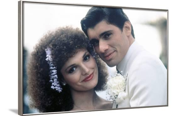 SCARFACE, 1983 directed by BRIAN by PALMA Elizabeth Mastrantonio and Steven Bauer (photo)--Framed Photo