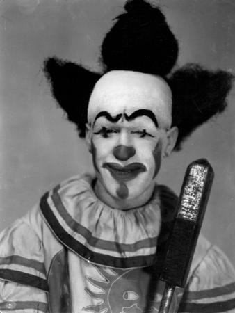 https://imgc.allpostersimages.com/img/posters/scary-clown_u-L-Q10756I0.jpg?p=0