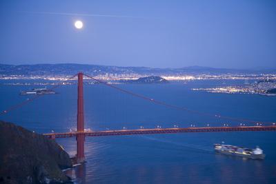 https://imgc.allpostersimages.com/img/posters/scenic-of-golden-gate-bridge-golden-gate-national-recreation-area-san-francisco-california_u-L-Q10THXE0.jpg?p=0