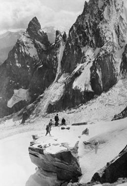 Bergsteiger in den italienischen Alpen, 1930er Jahre by Scherl