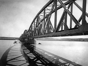 Brücke über den Euphrat, 1939 by Scherl