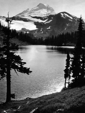 Chain Lake und Mount Baker, 1931 by Scherl