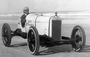 """Der Rennfahrer Sig Haugdahl in seinem """"Daytona Special"""", 1926 by Scherl"""