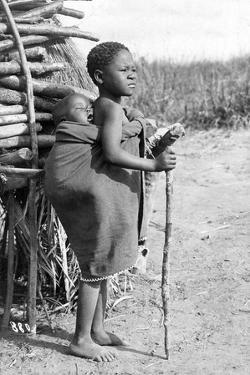 Kinder in Südafrika, 1910 by Scherl