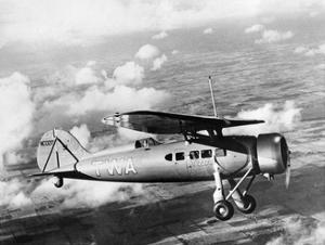 Maschine der Transcontinental & Western Airlines im Flug, 1932 by Scherl