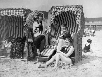 Elisabeth Pinagreff, Agnes Esterhazy and Hanna Weiss in a Beach Chairs, 1927