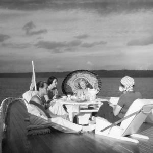 Excursion on the Houseboat by Scherl S?ddeutsche Zeitung Photo
