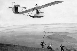 Segelflugsport in der Rhön, 1928 by Scherl