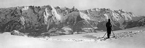Skifahrer im Salzburger Land, 1939 by Scherl