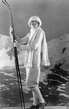 Sportmode für Frauen, 1925 by Scherl