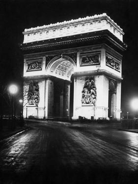 Arc De Triomphe De L'Étoile at Night, 1928 by Scherl Süddeutsche Zeitung Photo