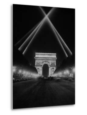 Arc De Triomphe in Paris at Night, 1938 by Scherl Süddeutsche Zeitung Photo