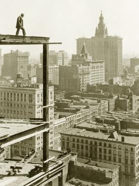 Construction of a Skyscraper in New York, 1928 by Scherl Süddeutsche Zeitung Photo