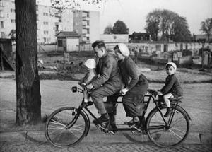 Family-Bicycle in the 30s by Scherl Süddeutsche Zeitung Photo
