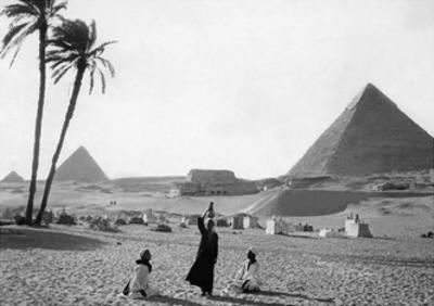 Pyramids of Giza, 1928 by Scherl Süddeutsche Zeitung Photo