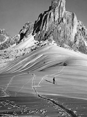 Skiing Near Cortina D'Ampezzo, 1920s by Scherl Süddeutsche Zeitung Photo