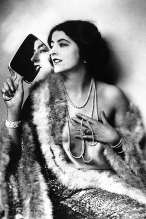 Women's Fashion from 1928 by Scherl Süddeutsche Zeitung Photo