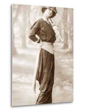 Women's Fashion in 1913 by Scherl Süddeutsche Zeitung Photo