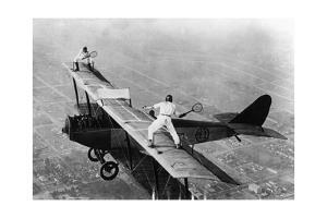 Tennis auf einem Flugzeug, 1925 by Scherl
