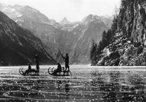 Zugefrorener Königssee, 1939 by Scherl