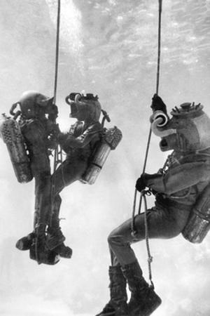 Deep Sea Divers by Science Source
