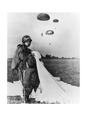 Paratrooper Training by Science Source