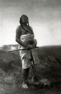 Slow Bull, Ogala Sioux Medicine Man, 1907 by Science Source