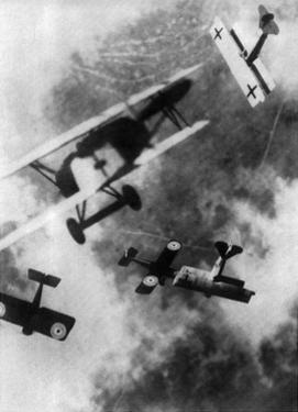 WWI, German and British Dogfight by Science Source