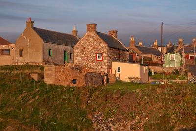 https://imgc.allpostersimages.com/img/posters/scotland-buchan-ness-houses_u-L-Q11YGAO0.jpg?p=0