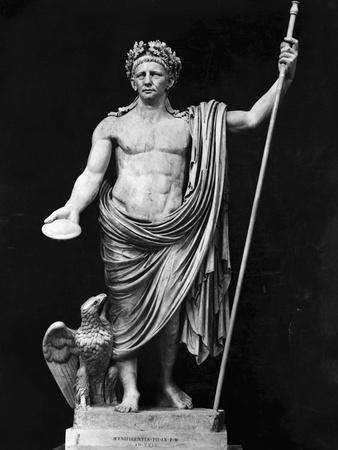 https://imgc.allpostersimages.com/img/posters/sculpture-of-claudius-and-eagle_u-L-PZOA650.jpg?artPerspective=n