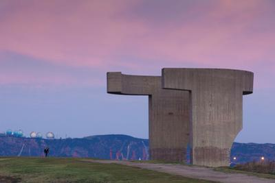 Sculpture on a hill, Elogio Del Horizonte, Cimadevilla, Gijon, Asturias Province, Spain