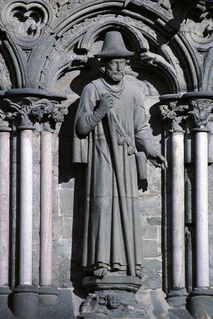 https://imgc.allpostersimages.com/img/posters/sculptures-on-the-sides-nidaros-cathedral_u-L-PP9TD40.jpg?p=0