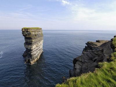 https://imgc.allpostersimages.com/img/posters/sea-stack-at-downpatrick-head-near-ballycastle-county-mayo-connacht-republic-of-ireland_u-L-P1FPF00.jpg?p=0