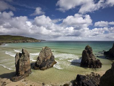 https://imgc.allpostersimages.com/img/posters/sea-stacks-on-garry-beach-tolsta-isle-of-lewis-outer-hebrides-scotland-united-kingdom-europe_u-L-P7NH5S0.jpg?p=0