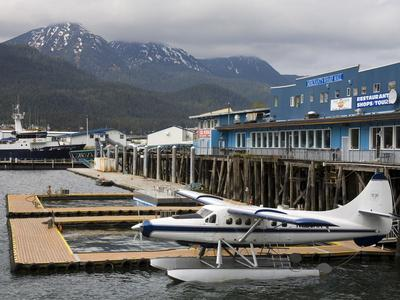 https://imgc.allpostersimages.com/img/posters/seaplane-in-juneau-southeast-alaska-usa_u-L-PFNN3G0.jpg?p=0