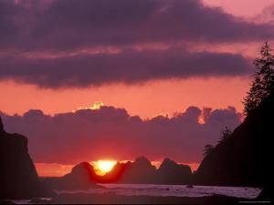 Seastacks at Sunset, Rialto Beach, Olympic National Park, Washington, USA