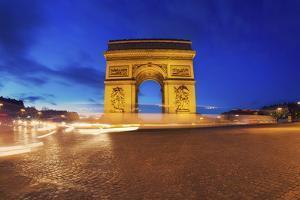 Arc de Triomphe, Paris, France by Sebastien Lory