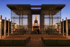Dupli Eiffel by Sebastien Lory