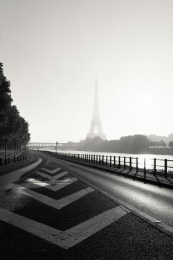 Eiffel tower, Paris, France by Sebastien Lory