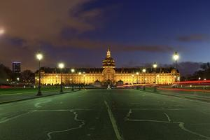 Invalides by Sebastien Lory