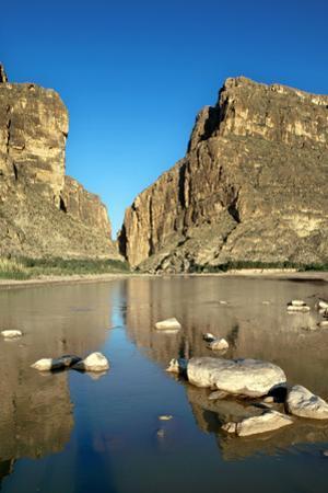 Santa Helena Canyon, Texas by Sebastien Mamy Photography