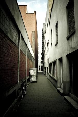 Narrow lane, Ghent, Belgium by Seepia Fotografie