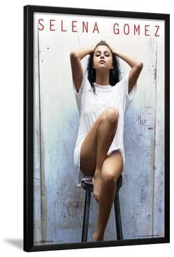 Selena Gomez - Stool