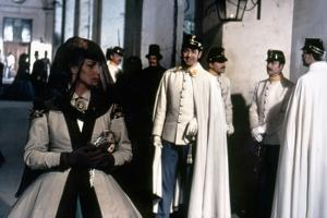 SENSO, 1954 directed by LUCHINO VISCONTI Alida Vallli and Farley Granger (photo)