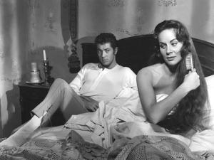 SENSO, 1954 directed by LUCHINO VISCONTI Farley Granger and Alida Valli (b/w photo)